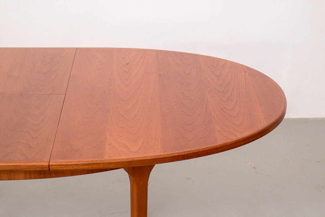 OVAL Table Teak Extendable From Mcintosh