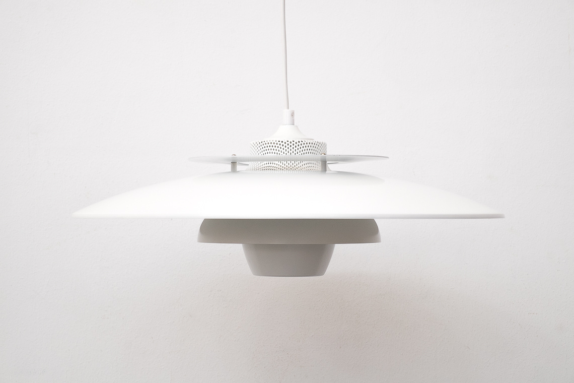 PENDANT LAMP FROM JEKA DENMARK