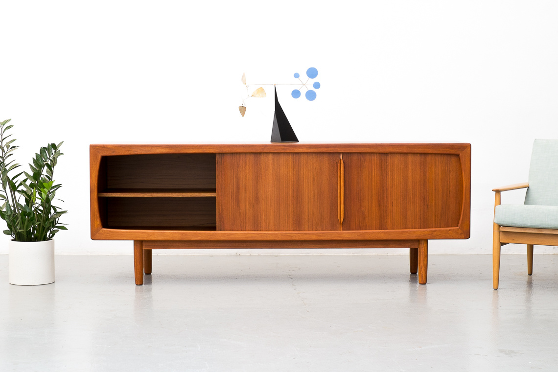DANISH SIDEBOARD IN TEAK FROM DYRLUND