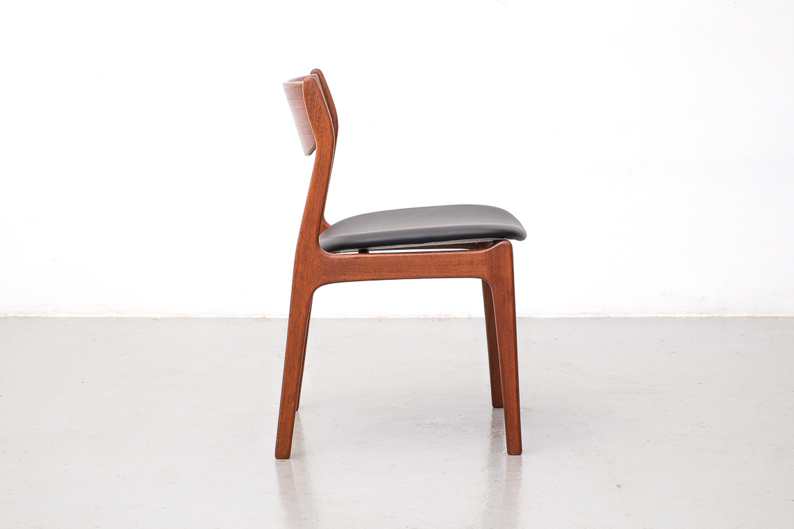 Set of 4 dining chairs by P. E. Jorgensen for Farsø Stolefabrik