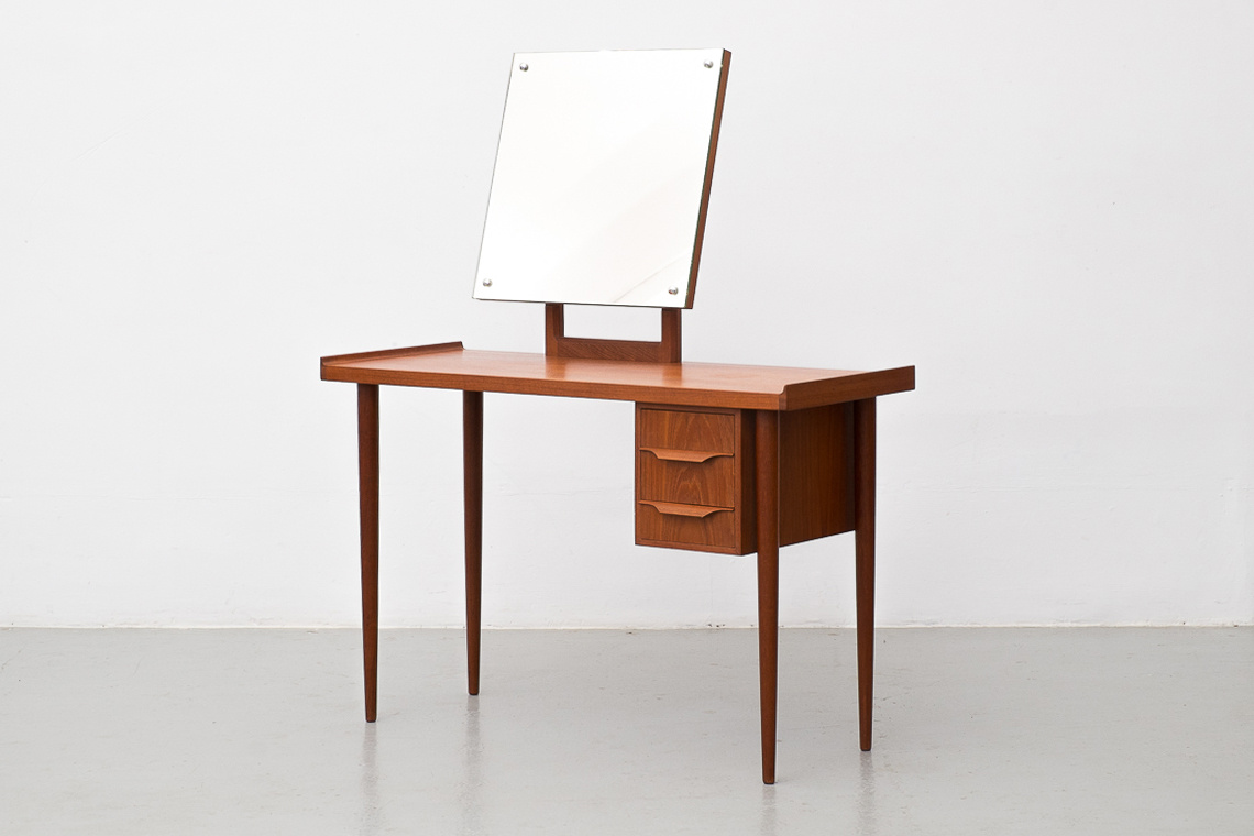 Mid-Century Danish DRESSING TABLE