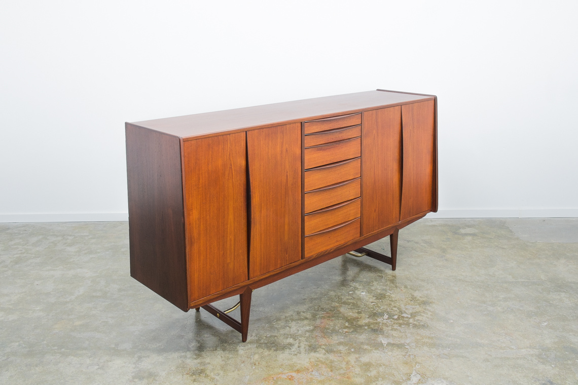 Danish sideboard by Peter Løvig Nielsen for Hedensted Møbelfabrik