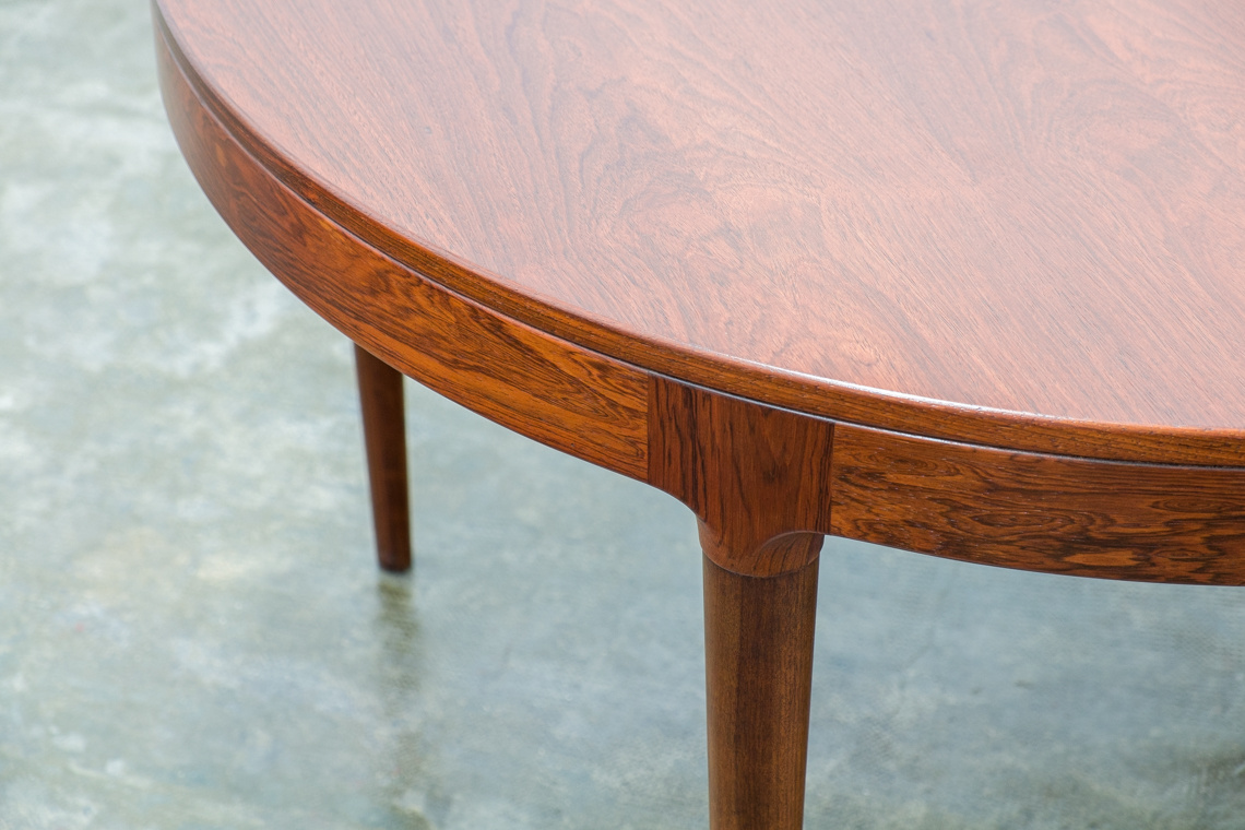 Rosewood danish dinning table