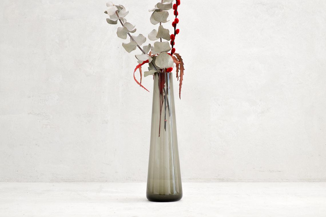 MID-CENTURY GLASS VASE BY INGRID GLAS