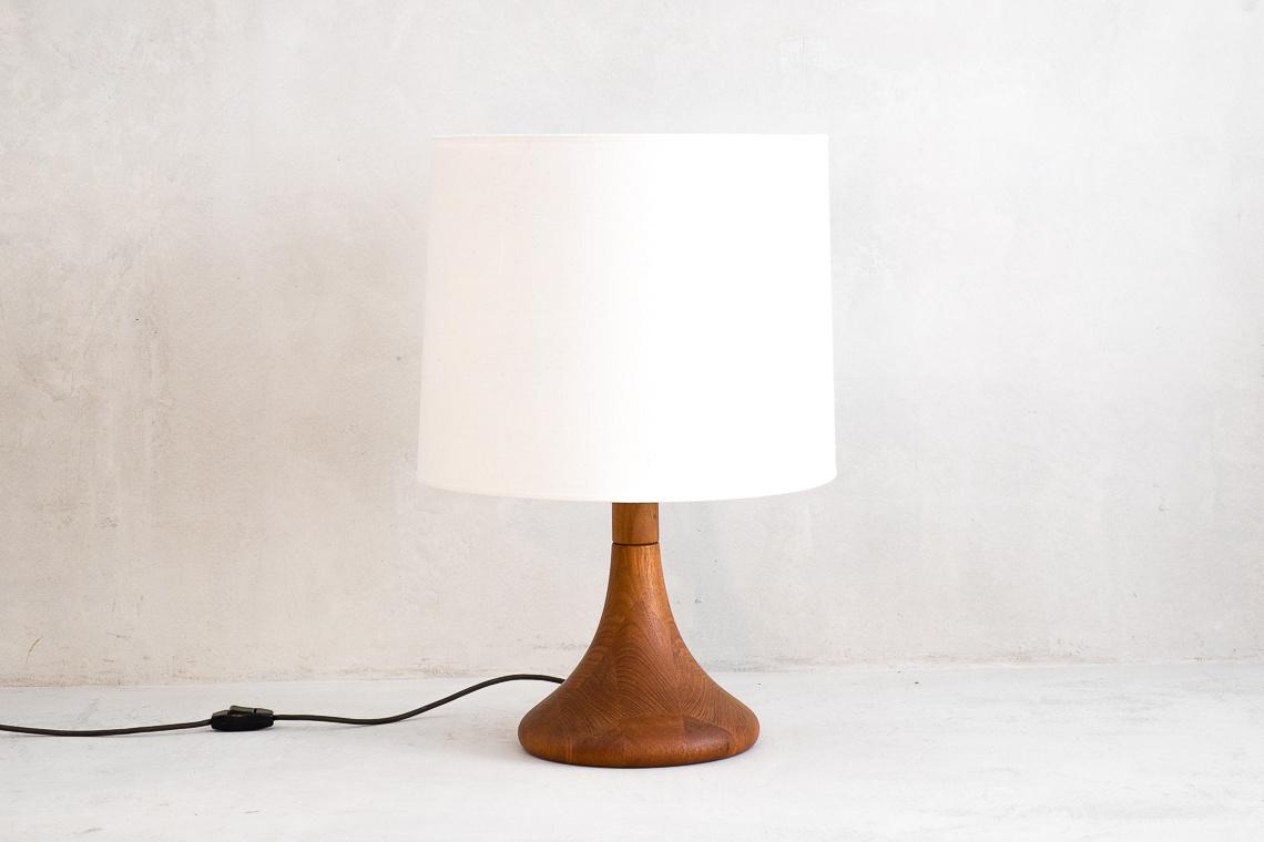 danish TABLE LAMP of DYRLUND