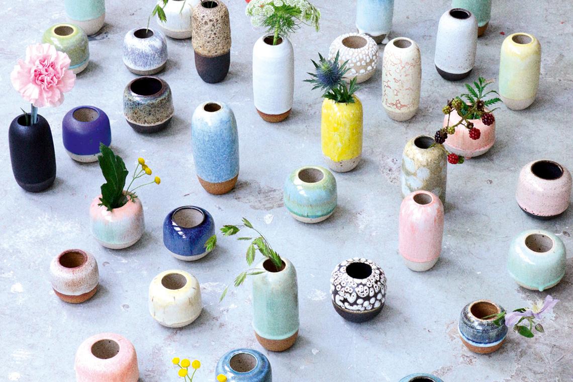 Yuki Vase White Hot