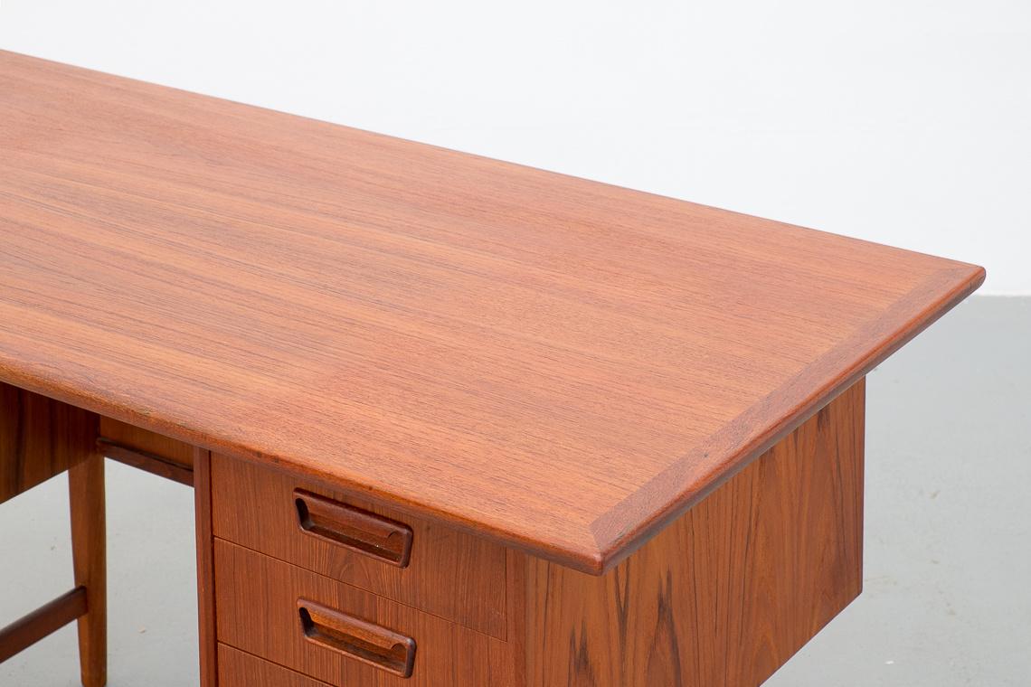 Desk teak by G. TIBERGAARD