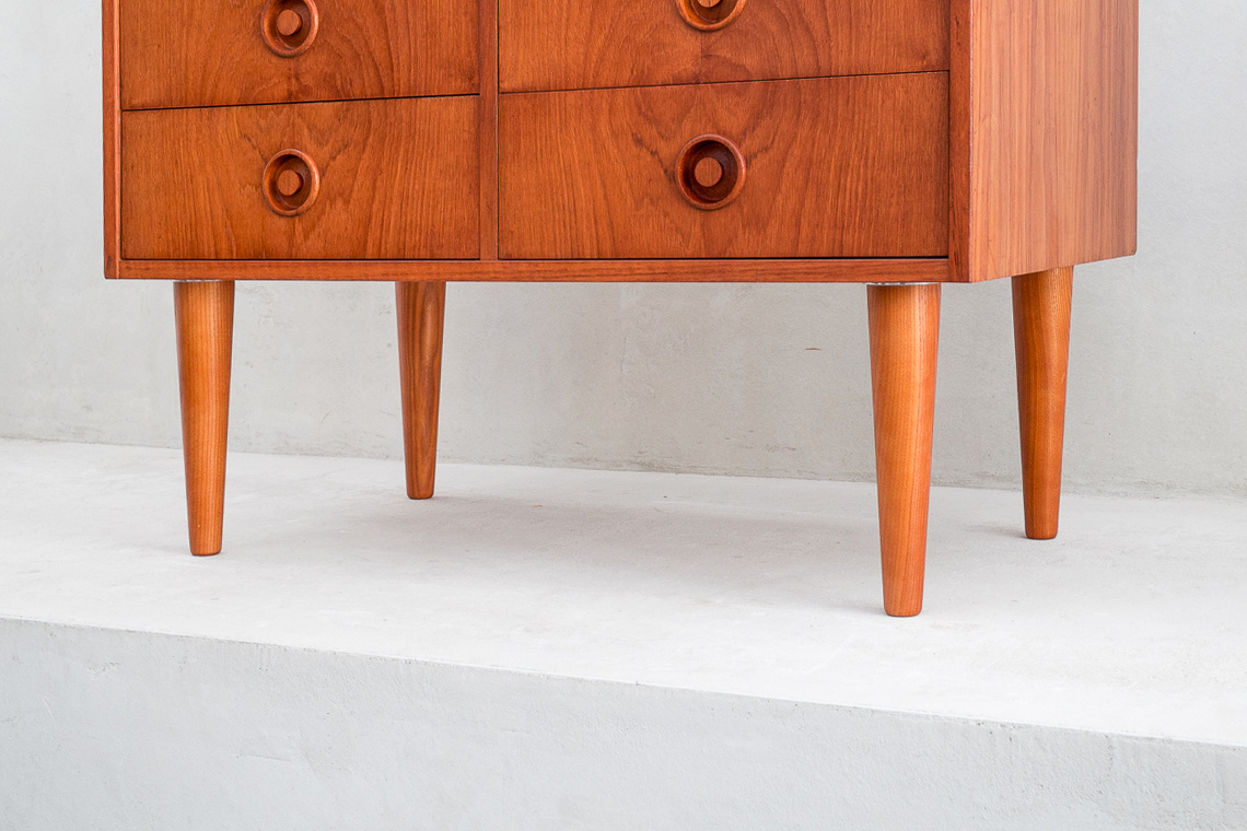 Danish teak chest of 4 drawers