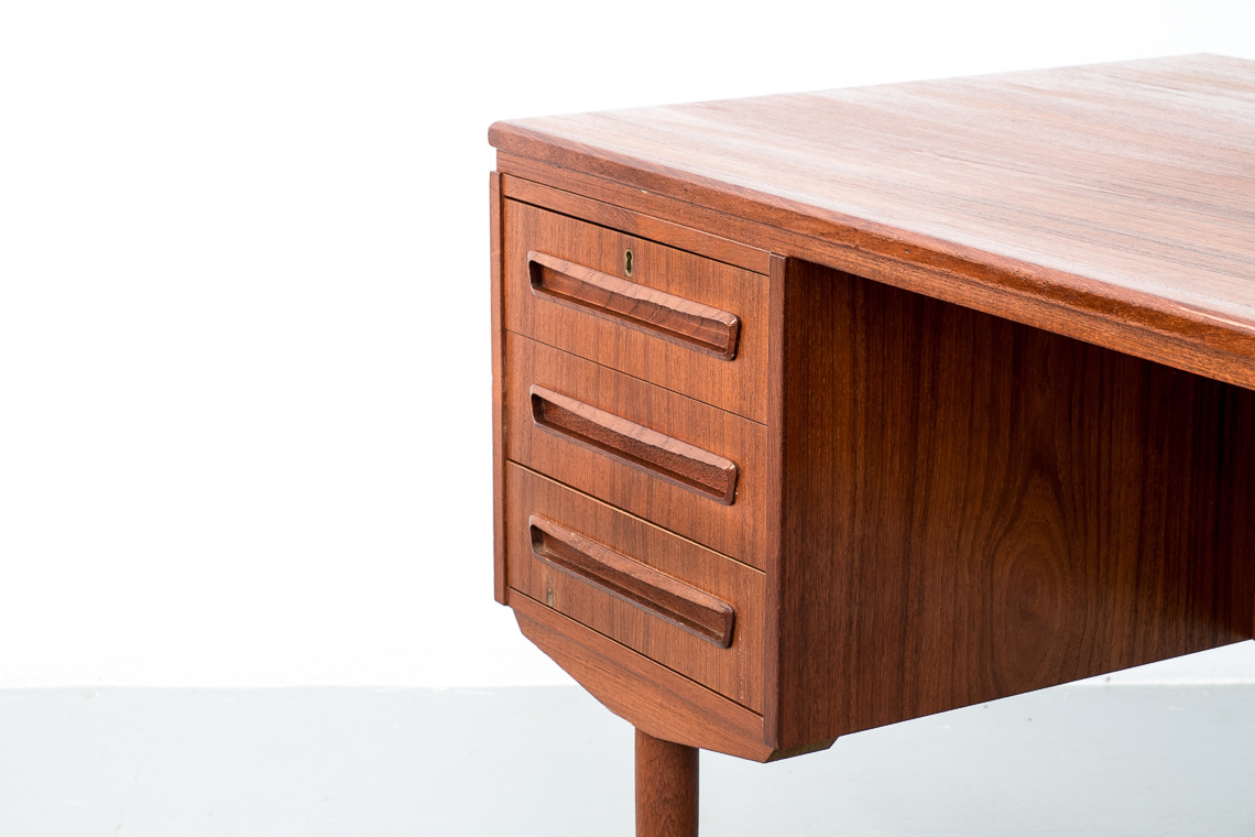 DOUBLE SIDED TEAK DESK made in denmark