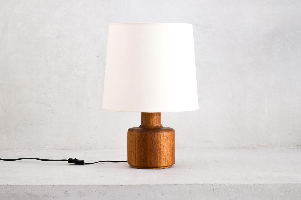 SOLID TEAK TABLE LAMP BY BESTFORM