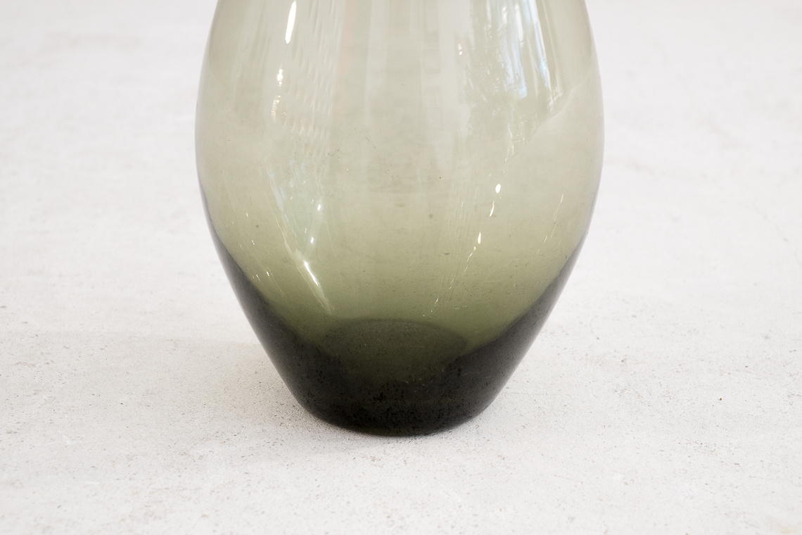 GLASS VASE BY INGRID GLAS GERMANY