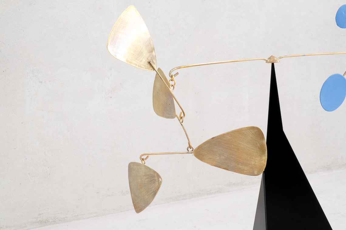 MOBILE CREATIVE METAL SCULPTURE