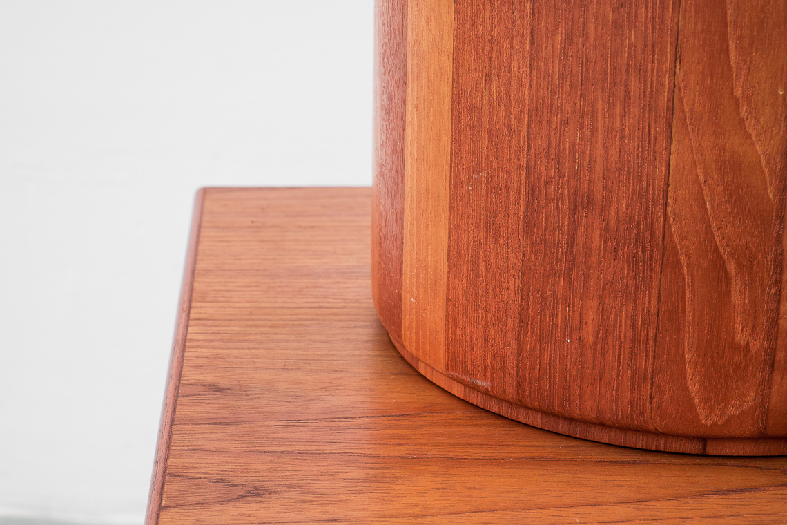 BESTFORM SOLID TEAK TABLE LAMP