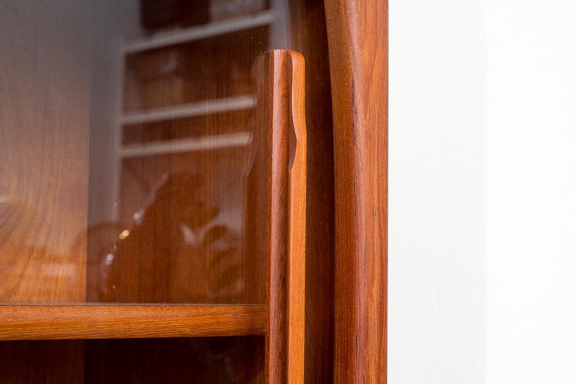 WALL Danish SIDEBOARD glass cabinet from Dyrlund
