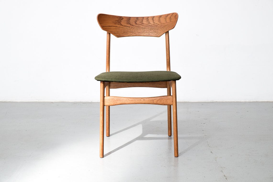 SET OF 4 DANISH OAK DINING CHAIRS BY SCHIONNING ELGAARD