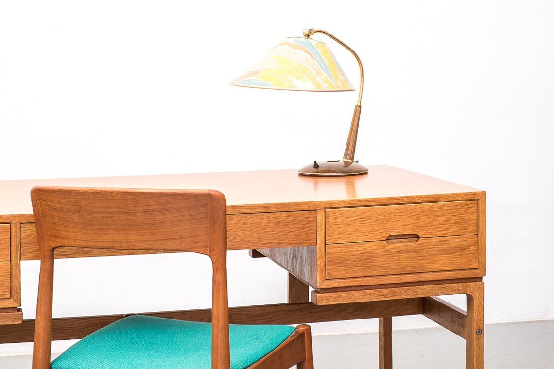Model nº80 oak desk by Arne Wahl Iversen for Vinde Mobelfabrik