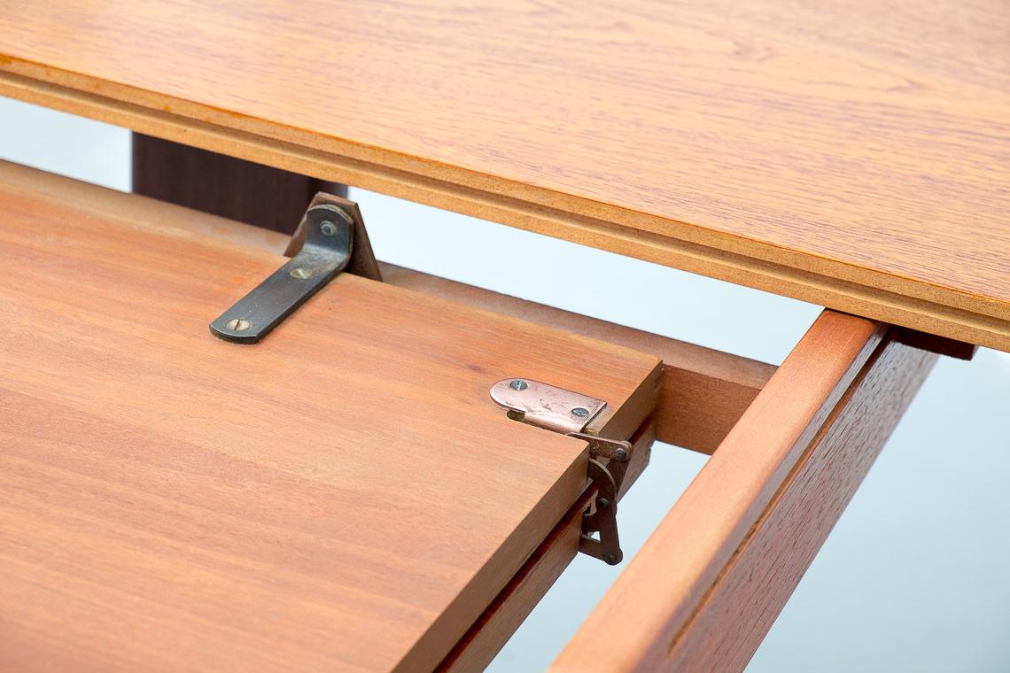 G Plan Fresco oval dining table extending