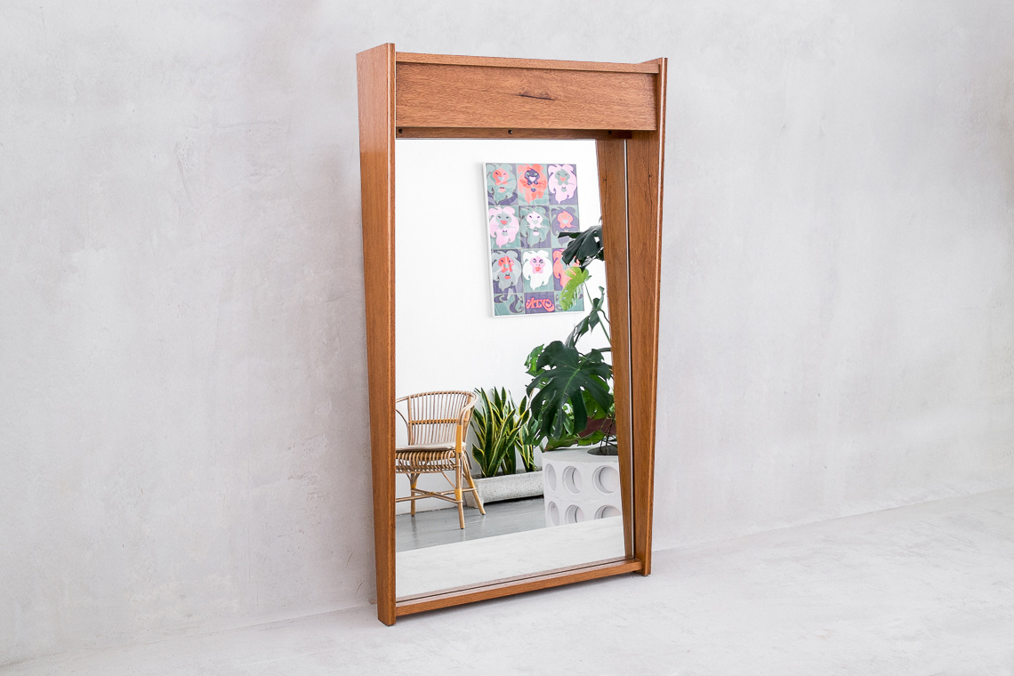 Illuminated Wall Mirror from NOVALUX LEUCHTEN DEUTSCHLAND