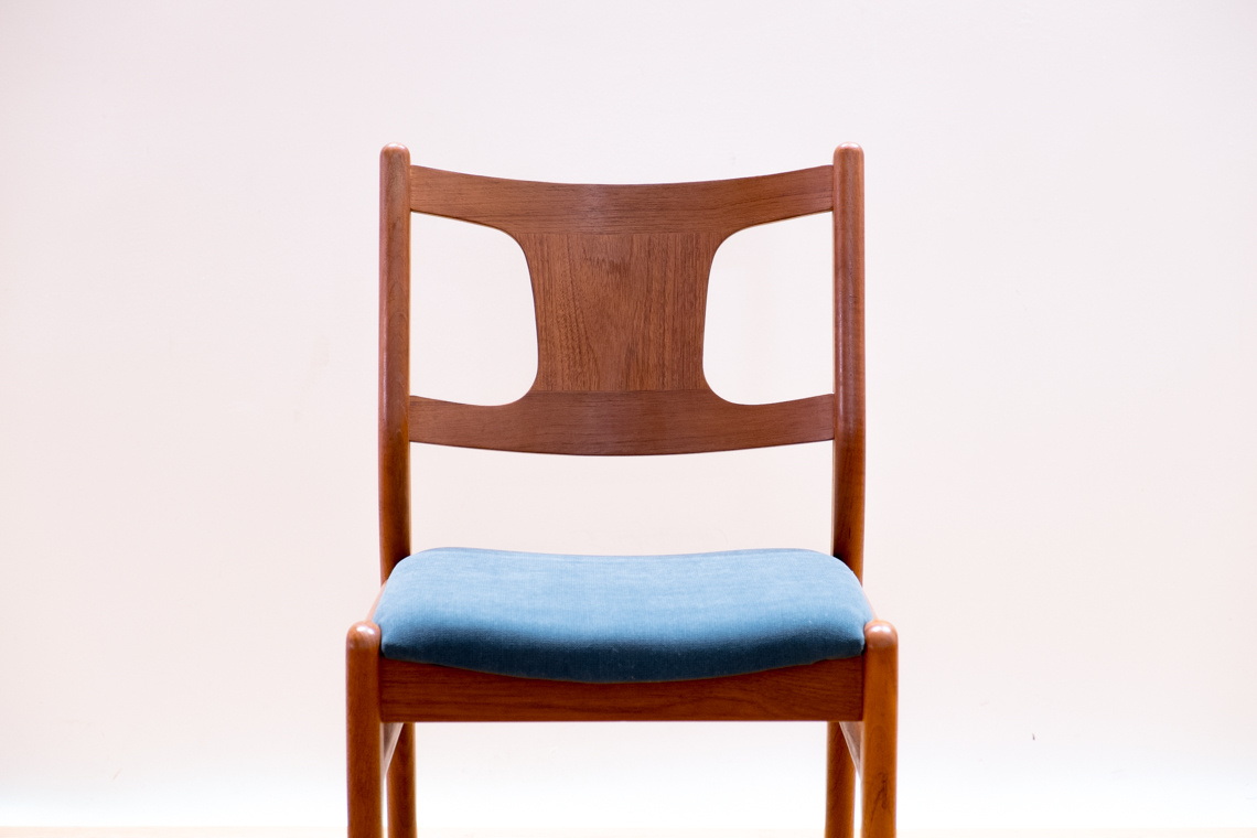 Set of 4 danish chairs