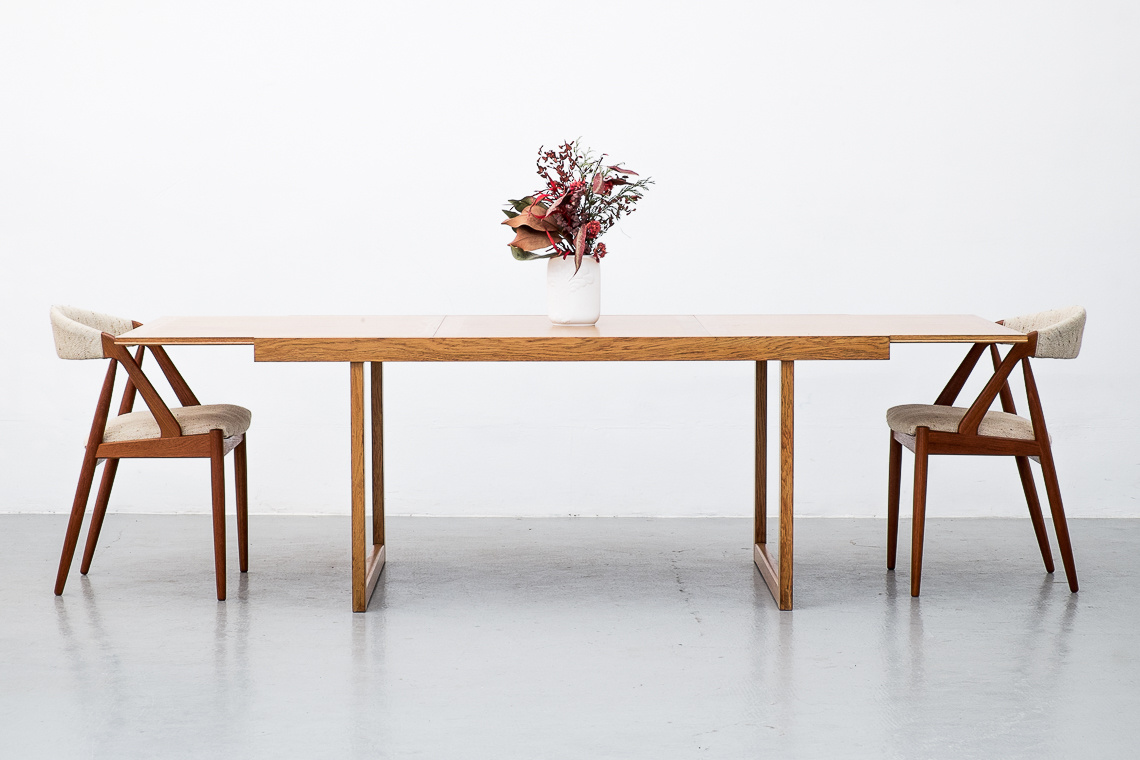 EXTENDABLE DINING TABLE BY BRAMIN