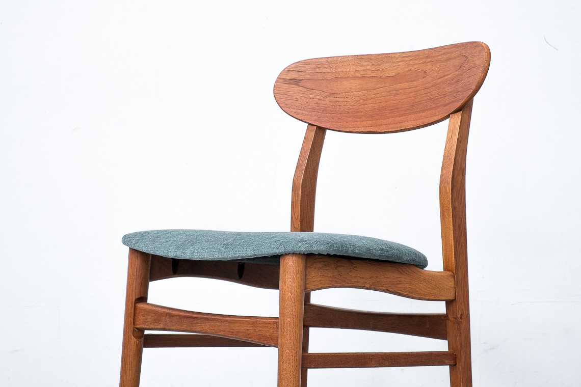 Set of 2 dining chairs by Findahls Møbelfabrik