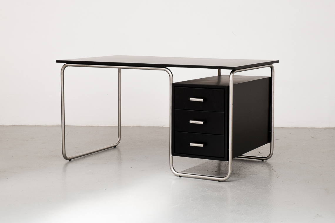 TUBULAR STEEL DESK 296 BY ADICO