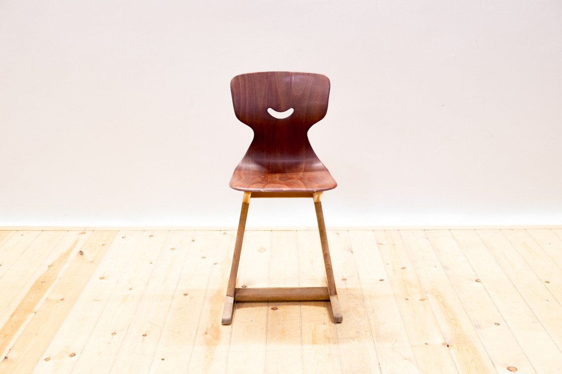 Kid chair from ADAM STEGNER