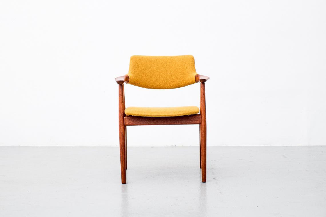 SET OF 4 chairS GM11 by Svend ÅAge Eriksen for Glostrup