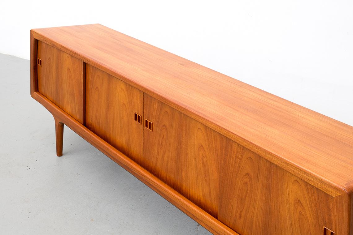 Danish Mid Century Modern teak Sideboard from K.L Dansk Møbelfabrik