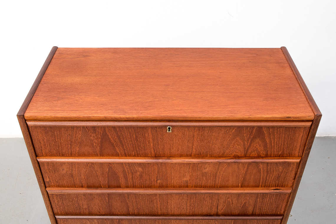 Danish chest of 6 drawers