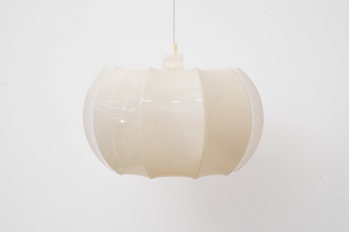 pendant light in white from ILKA PLAST