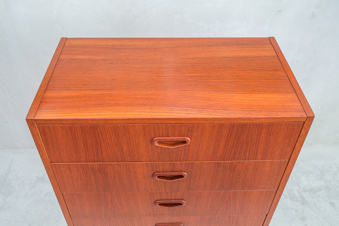 SWEDISH chest of 4 drawers FROM Sveriges Möbel industriförbund