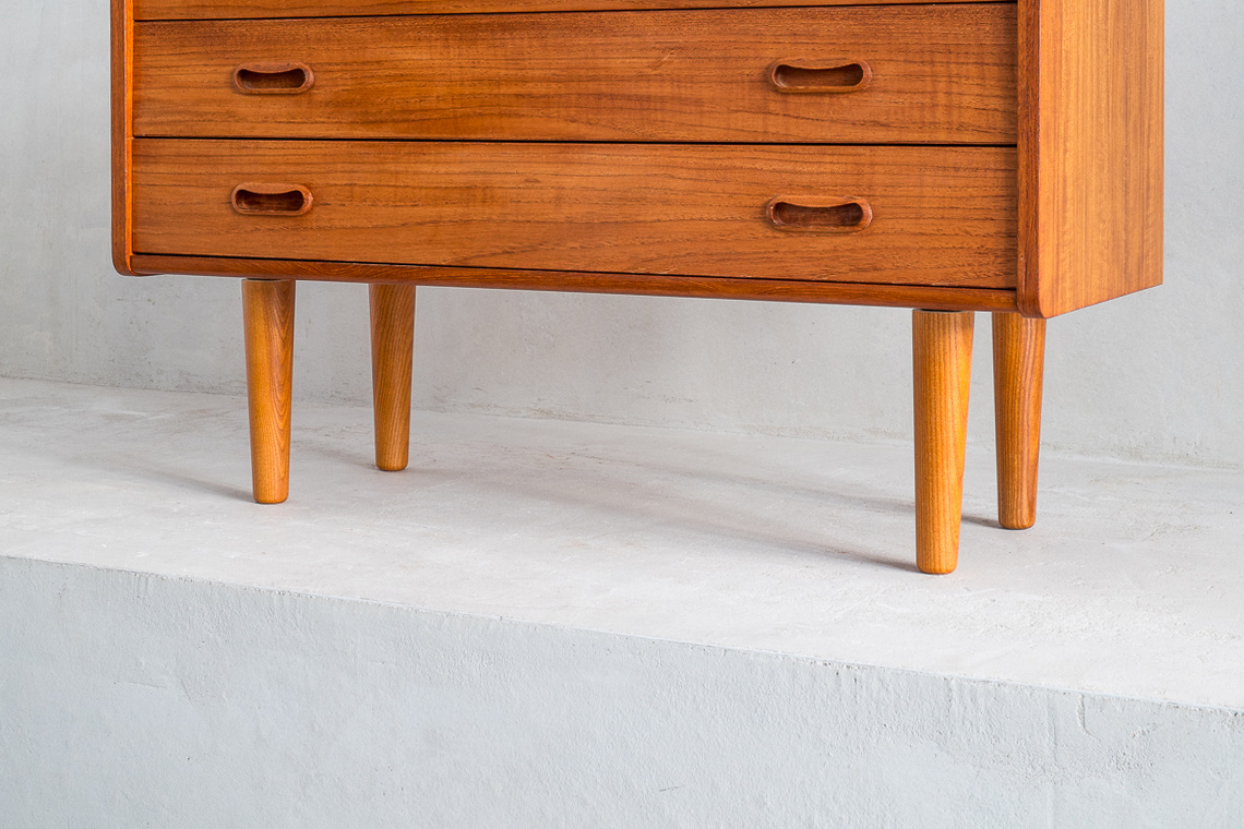 Danish teak chest of 3 drawers