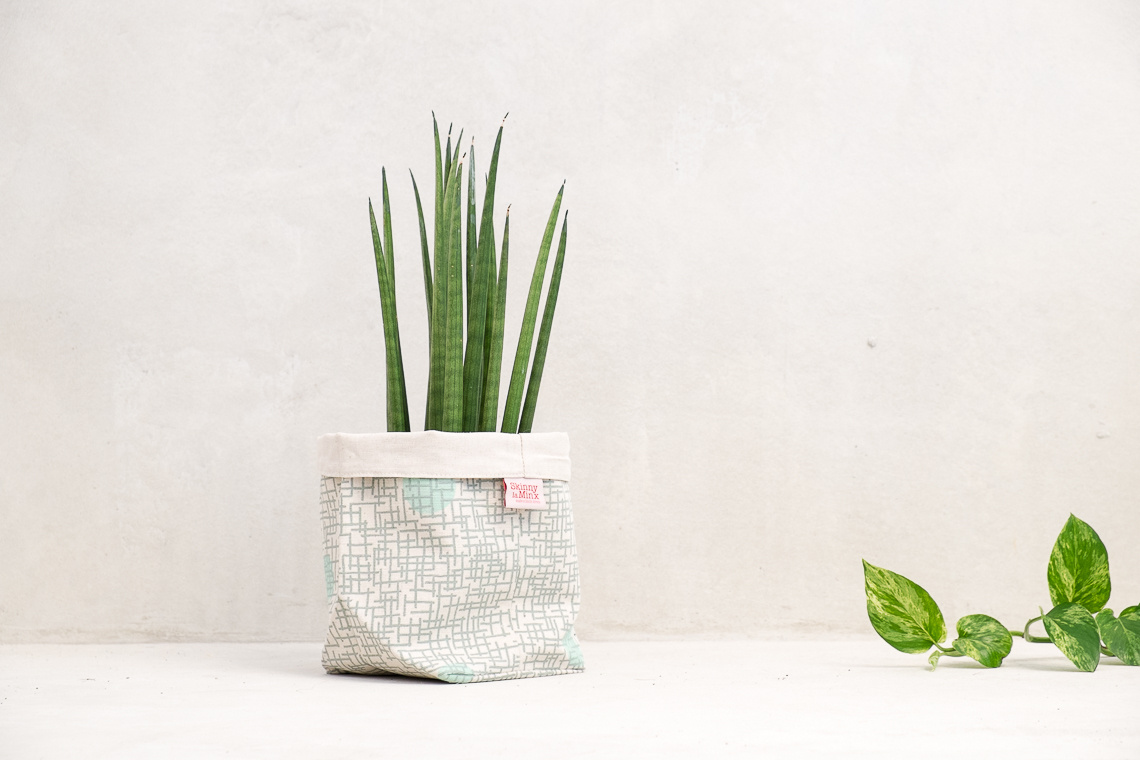 SOFT BUCKET GLASS MINT BY SKINNY LAMINX
