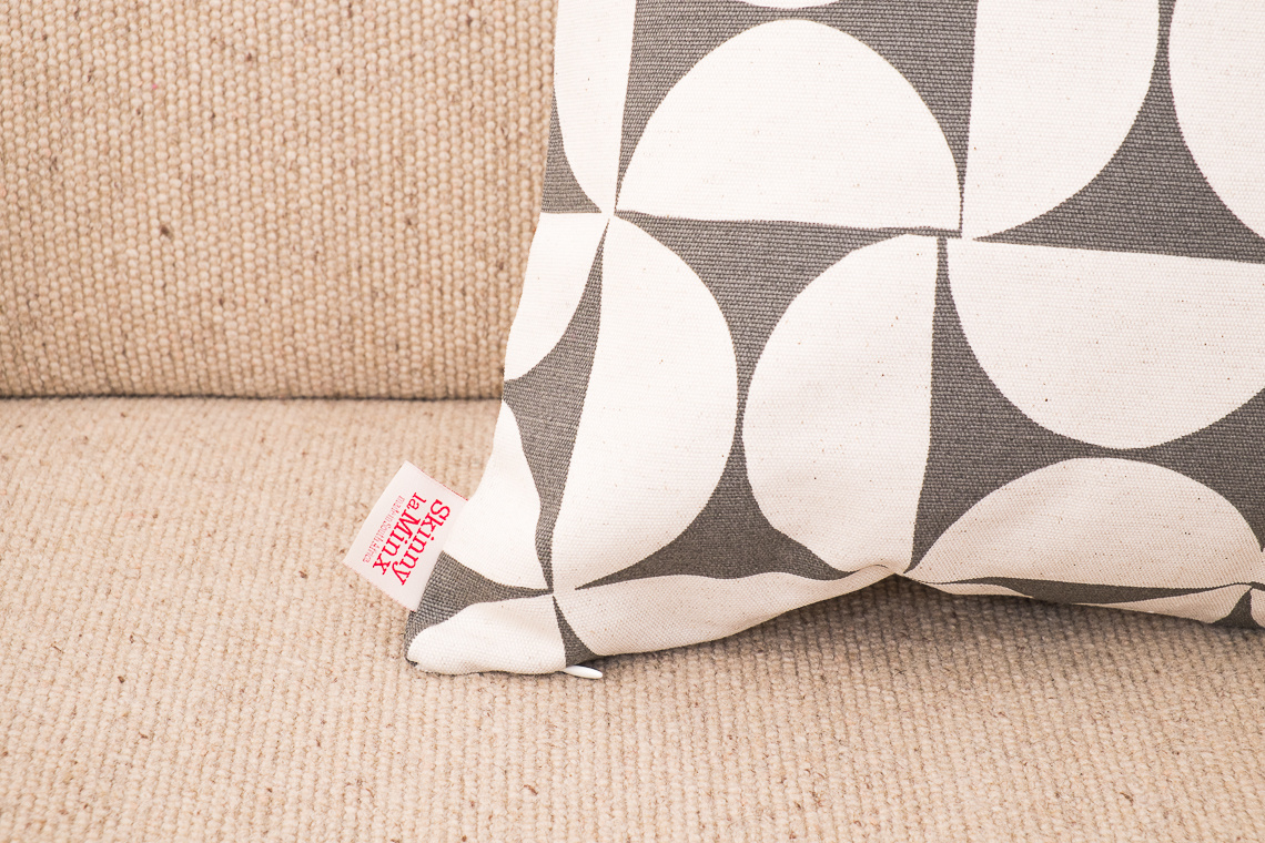 SKINNY LA MINX CUSHION Breeze Concrete