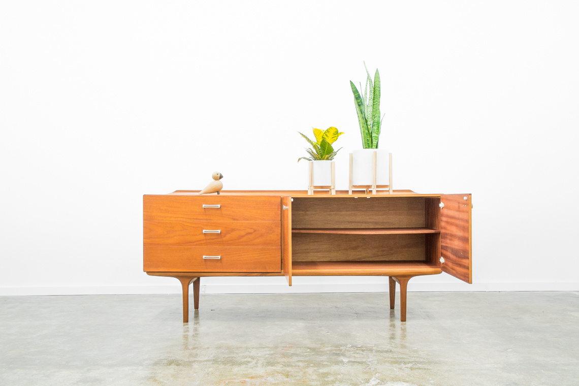 60'S SIDEBOARD OF MEREDEW