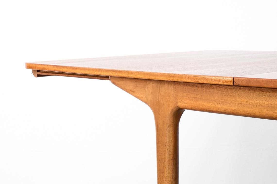 MESA DE COMEDOR DUNVEGAN DE MCINTOSH furniture