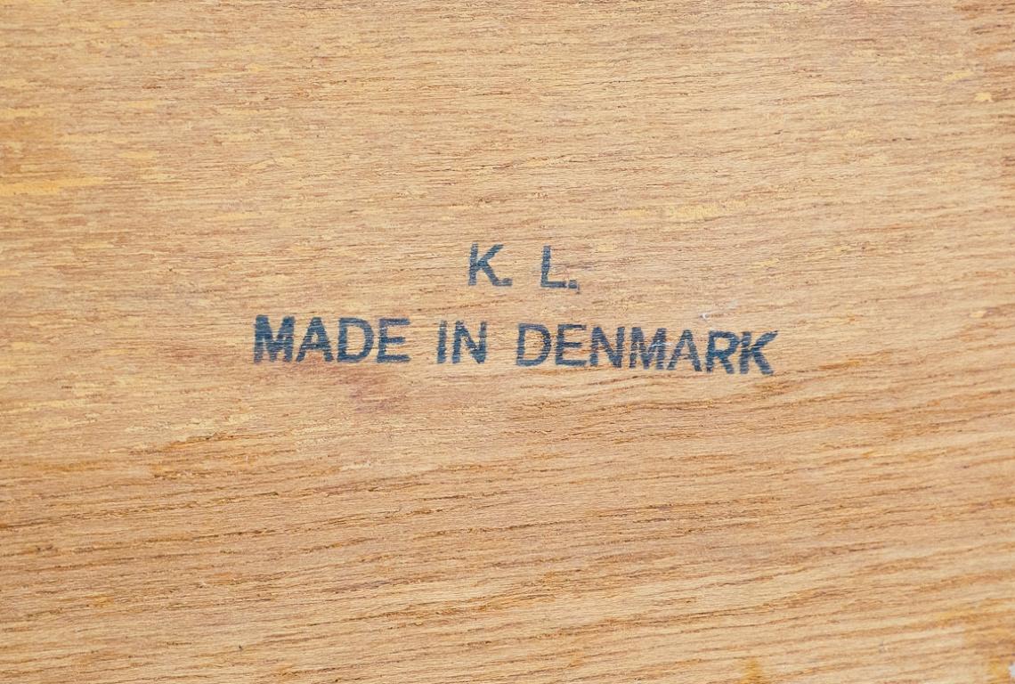 APARADOR DE K.L made in denmark