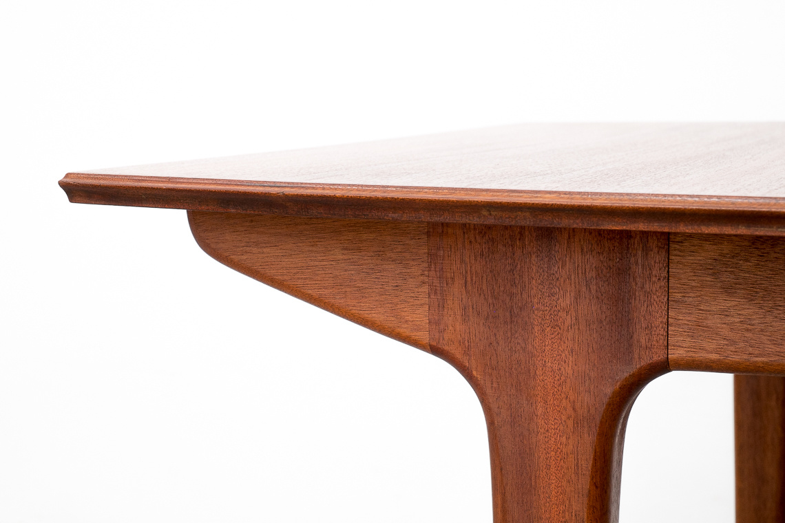 MESA DE COMEDOR EXTENSIBLE DE A.H Mcintosh & Co