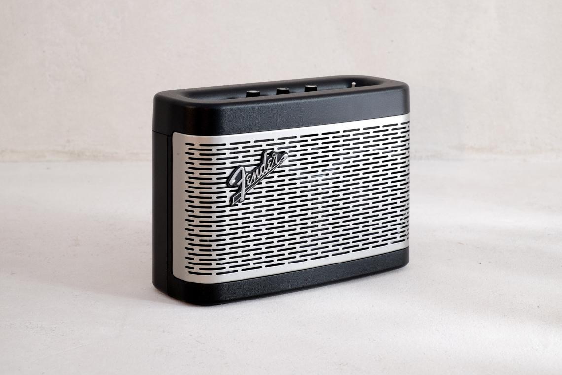 Altavoz Bluetooth Fender Newport Negro