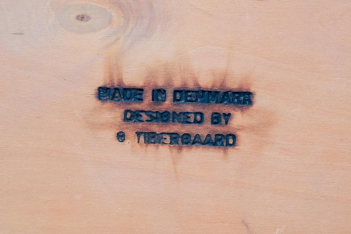 ESCRITORIO DE DOBLE CARA DE G. Tibergaard