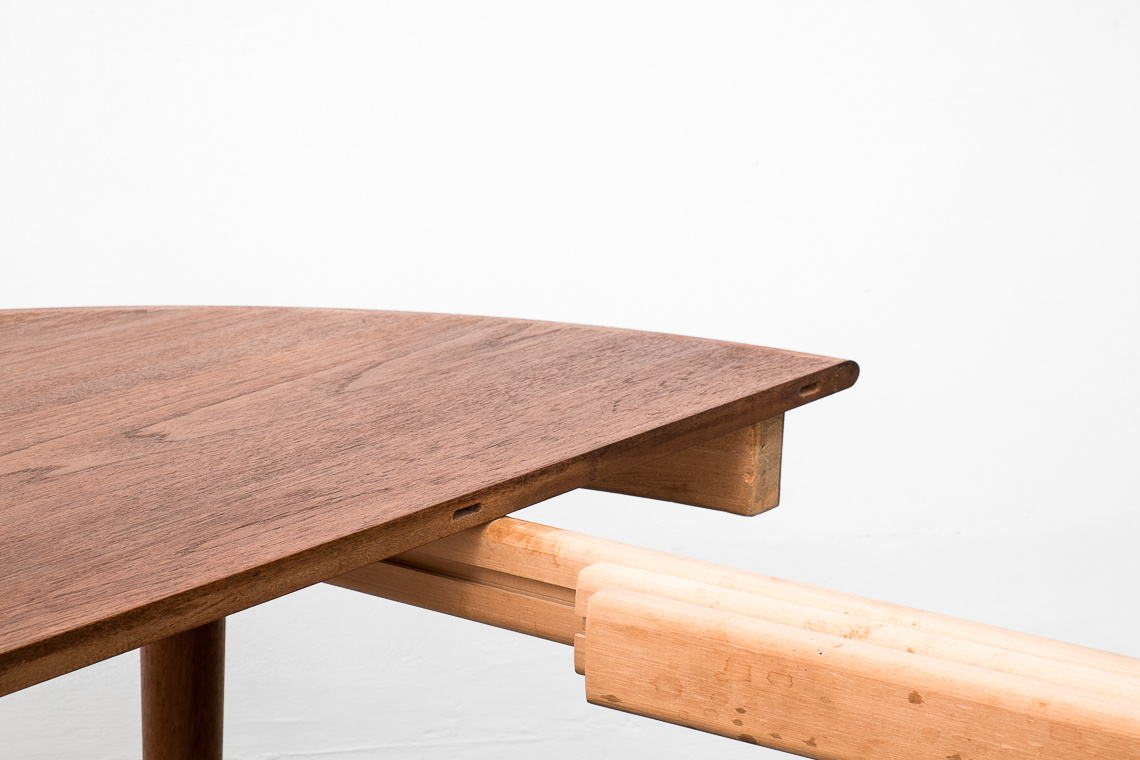 MESA EXTENSIBLE DE COMEDOR made in denmark