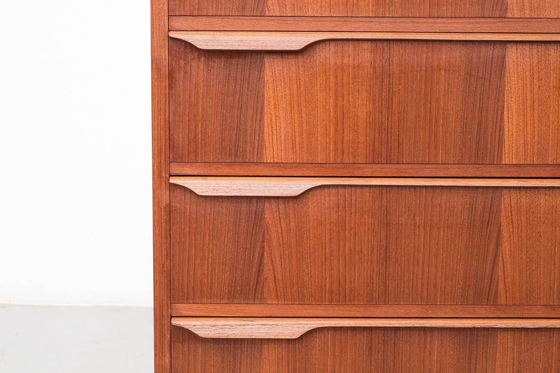 CÓMODA CON SELLO Danish Furniture makers Quality Control