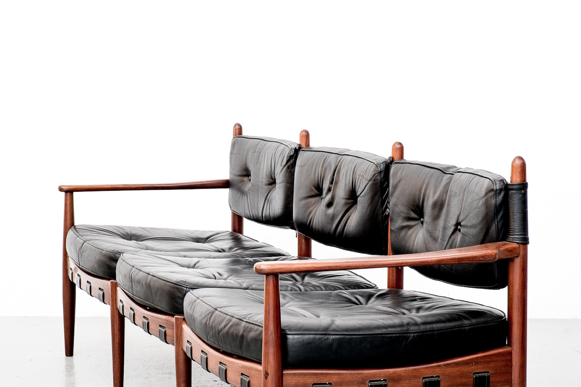 sofá de cuero diseñado por arne norell