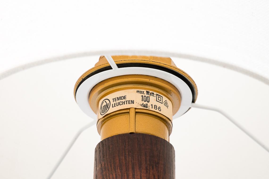 LAMPARA DE PIE TEMDE MODELO 186