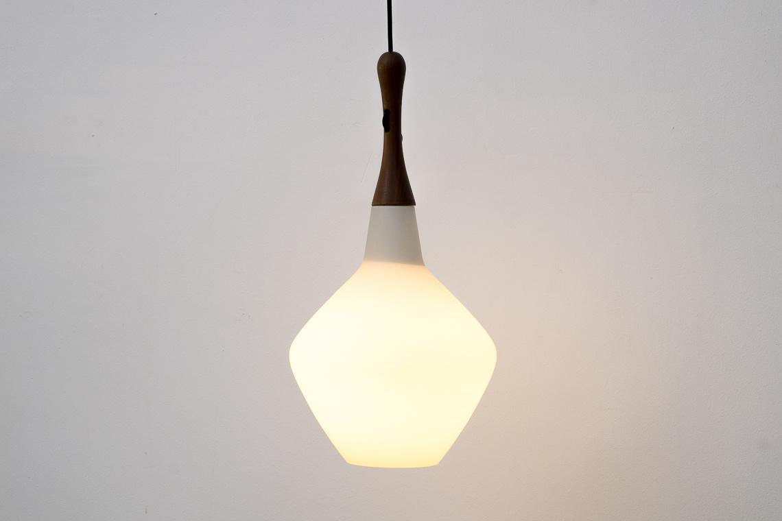 Lámpara estilo Uno & Östen Kristiansson