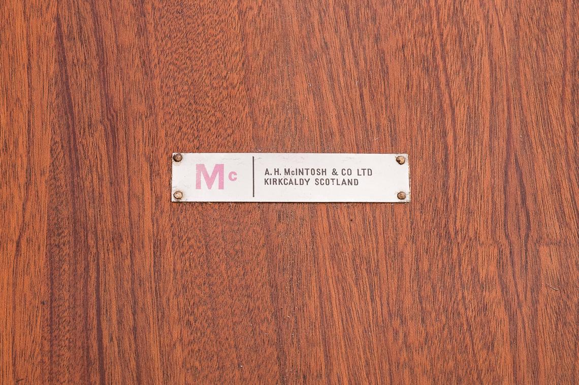 MESA CIRCULAR EXTENSIBLE PARA COMEDOR DE McINTOSH