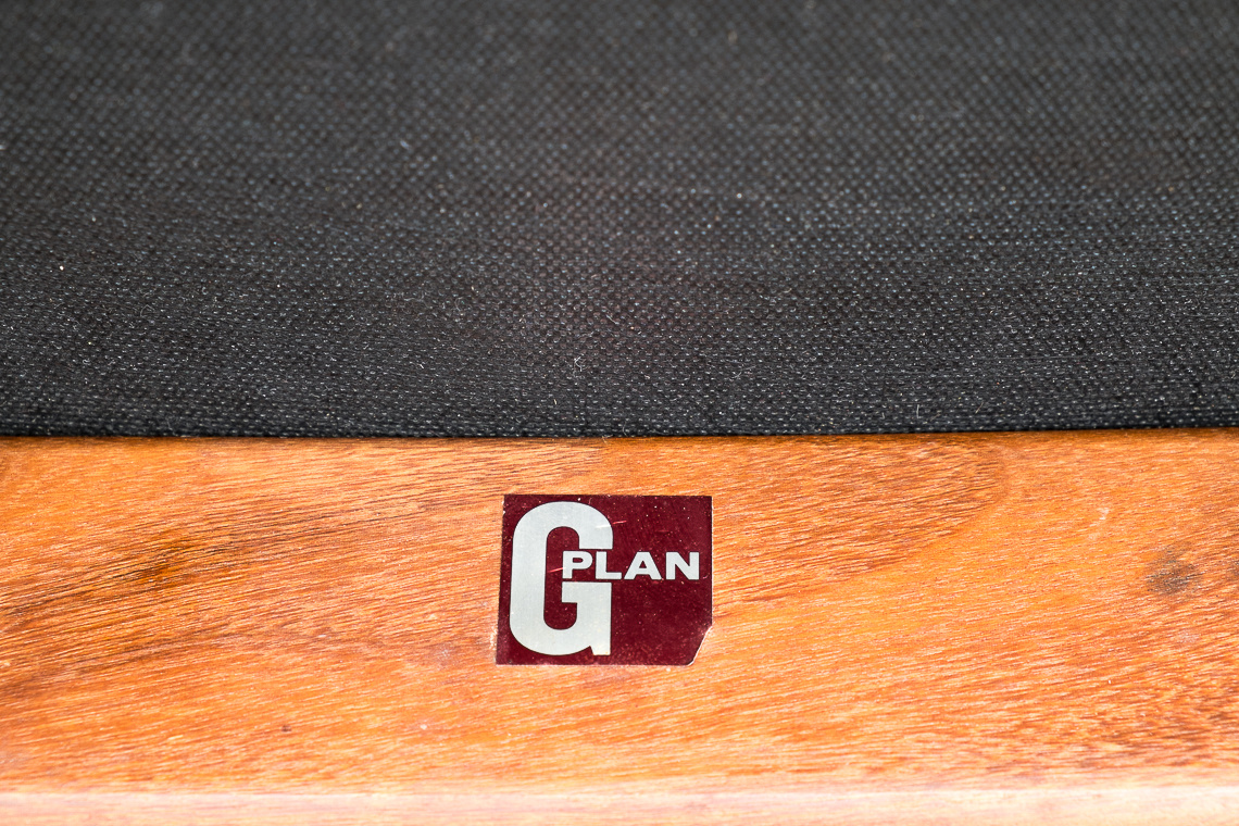 SET 4 SILLAS GPLAN de E. Gomme Ltd.
