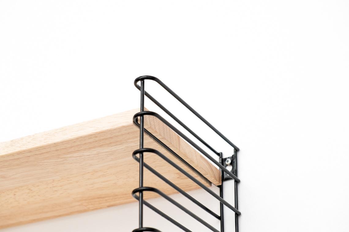 Estantería tomado de madera & metal negro